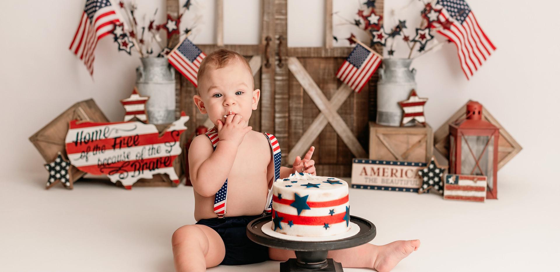Lincoln s Cake Smash-JPEG-0009.jpg