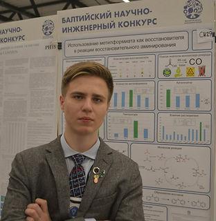 j7-c3JPqCEk (3) - Fedor Kliuev.jpg