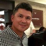 CarlosMendez-Headshot-150.jpg