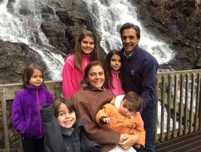 PaulaUmana-Family.jpg