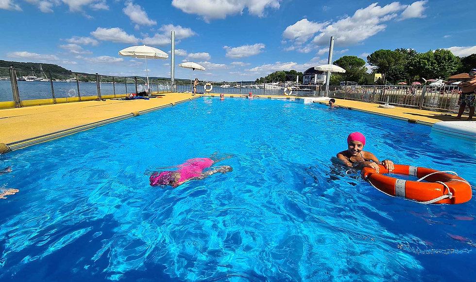 piscina galleggiante camping italia lido