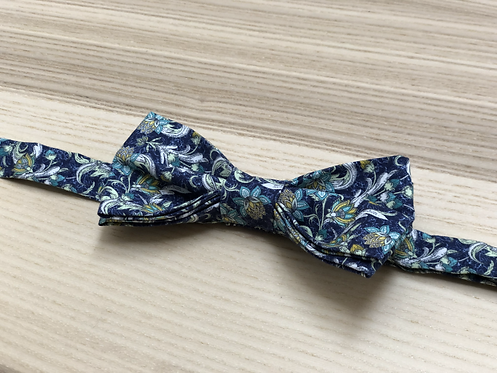 Bow tie, Liberty, White flowers