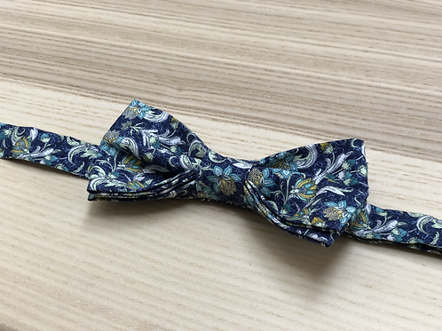 Bow tie, Liberty, White flowers