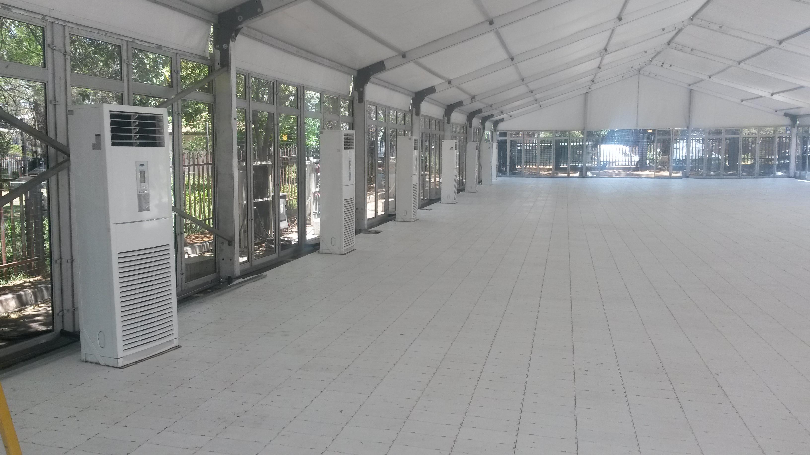 white interlocking plastic flooring from