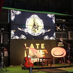 escenario late live
