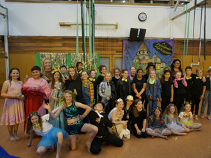 Toi toi toi to our Midsummer Night's Dream cast & crew!