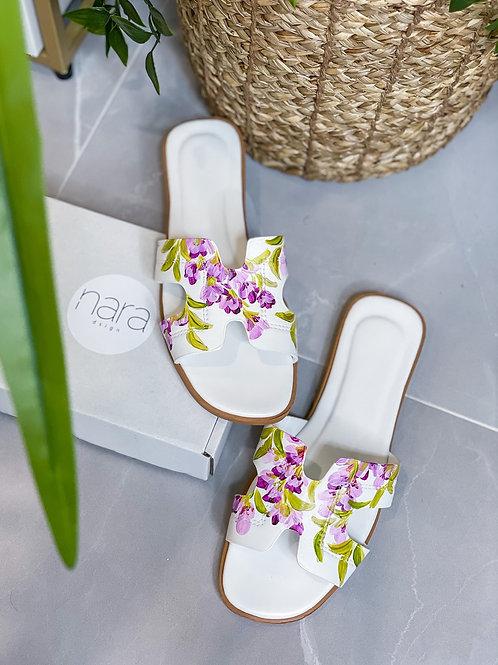 37 Helly Sandal:White Lavender