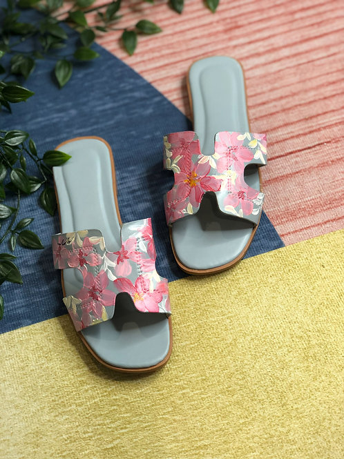 36 Helly Sandal: blue pink