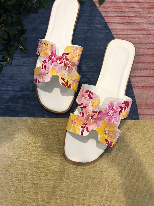 41 Helly Sandal: Pink yellow