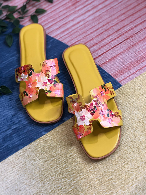 40 Helly Sandal: Yellow Orange