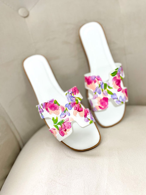 40 Helly Sandal: White Pastel Pink