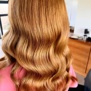 A golden glam wave 🌊 ✨.jpg
