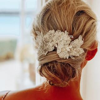 Yesterday's gorgeous chignon for our #oakurabay bride 👰 🤍.jpg
