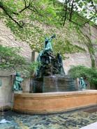 fountain-great-lakes-chicago-movie-tours.jpeg