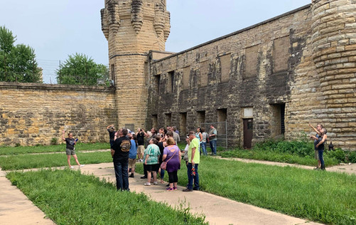 old-joliet-prison-tour.jpg