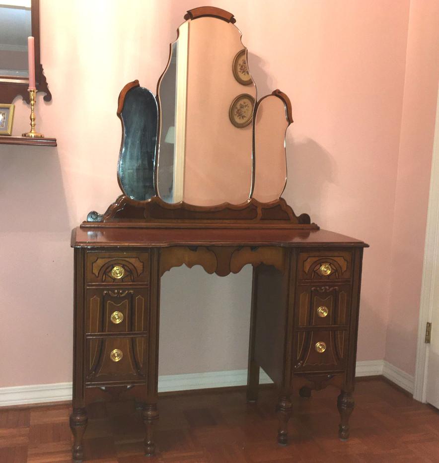 1930's Walnut Veneer Double Pedestal Vanity
