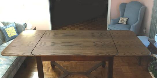 Early 20th Century German White Oak Veneer Dining Table