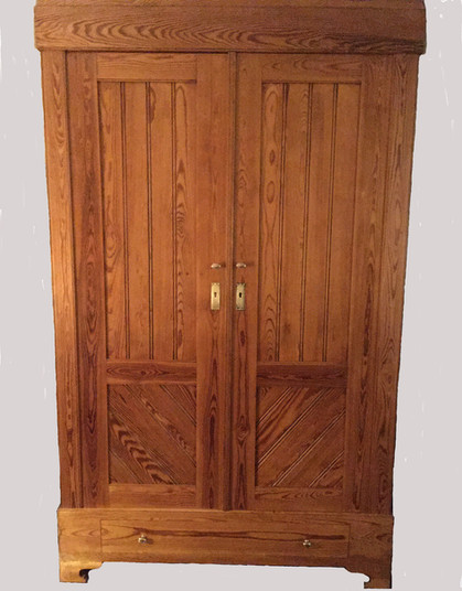 Early 20th Century German Pine Armoire