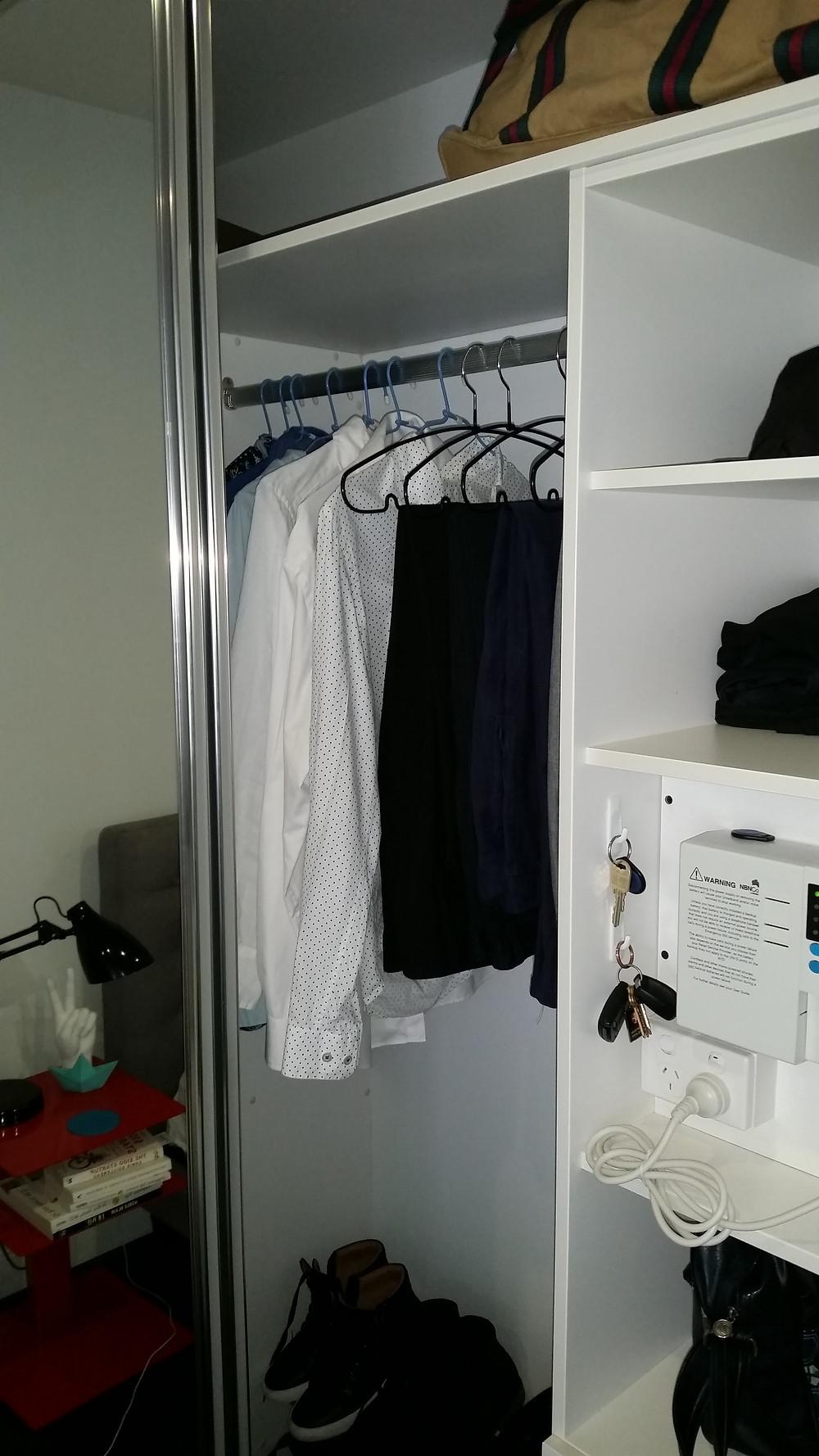 wardrobe,closet