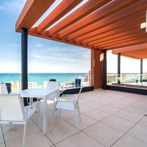 Ny toppleilighet med ALT på stranden i Fuengirola