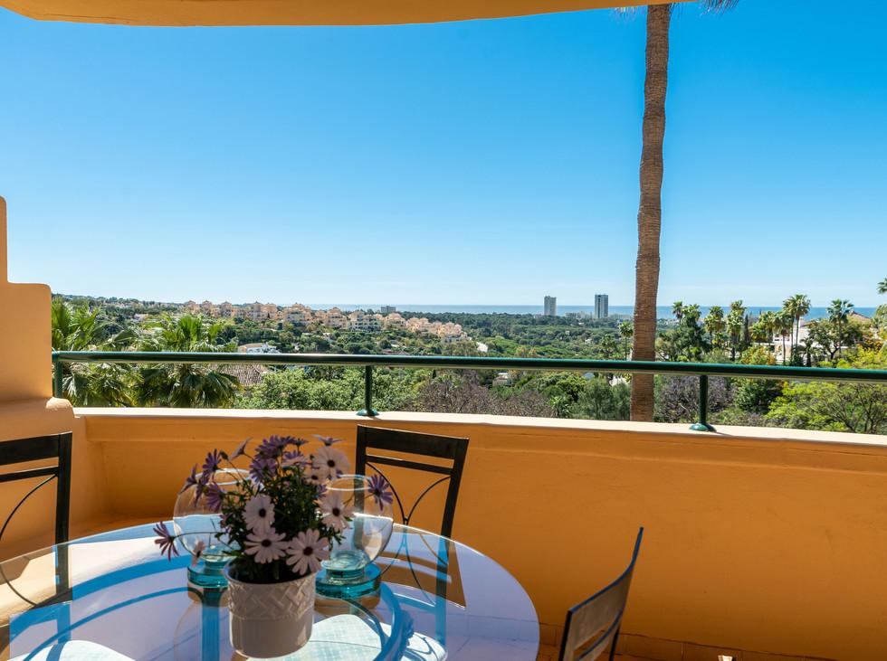 Flott leilighet i Elviria Hills med panoramautsikt