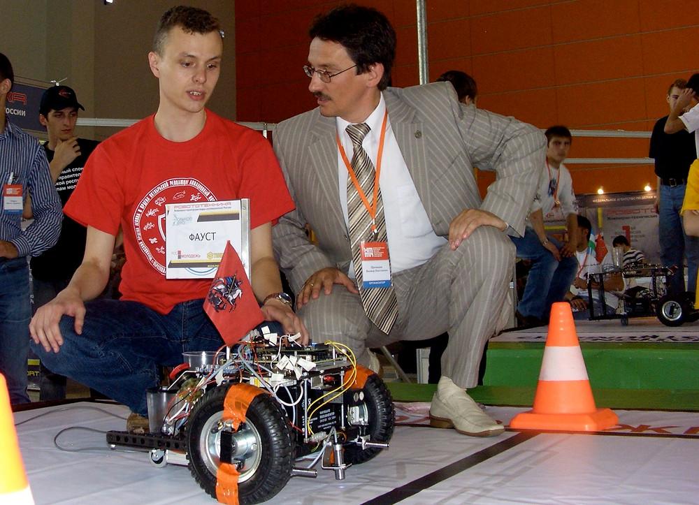 Соревнования мобильных систем на Всероссийском робототехническом фестивале