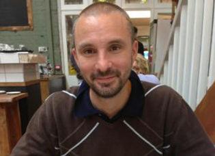 Lee-profile-pic-300x265.jpg