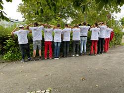 Unsere Azubis präsentieren ihre Boller-Schmiede Tshirts
