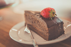 Gluten free flourless chocolate cake recipe - best ever - dessert for company special occasion - hea