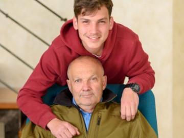 Un abuelo defiende a su nieto gay y se vuelve viral.