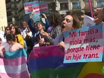 En España menores trans podrán registrar su nuevo sexo en DNI oficial.