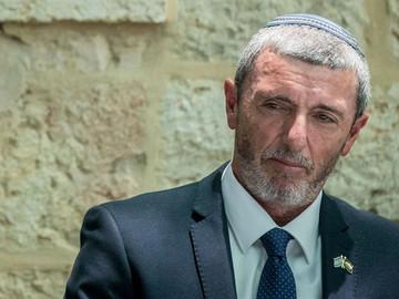 Ministro de educación israelí se retracta sobre terapias de conversión.