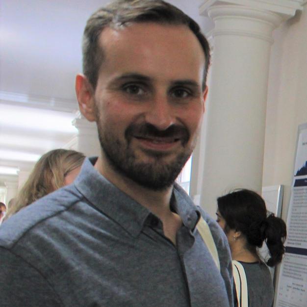 Prof Alejandro de la Torre Luque (Universidad Complutense de Madrid, Spain)