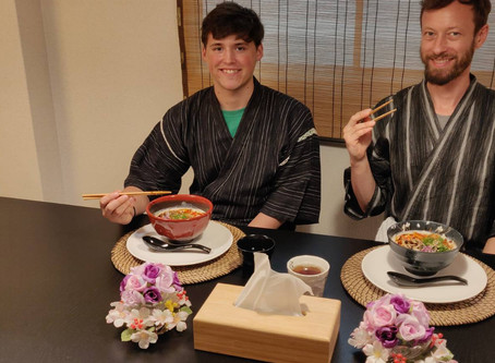 "This afternoon, we had our customers from New York.It was ""Vegan Ramen from Scratch"".Thank you very"