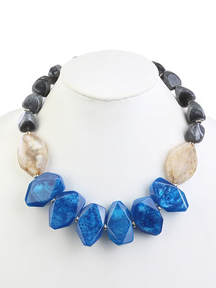 HOMAICA BEAD NATURAL STONE LOOK NECKLACE