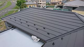 ストレート屋根へのふき替え工事