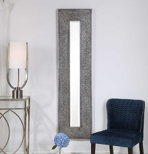 Girona Mirror