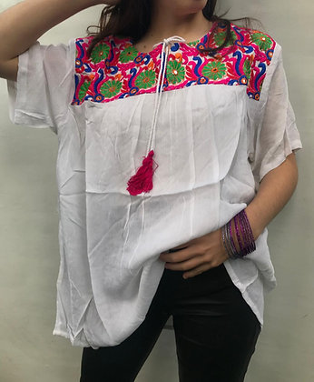 650 - Blusas de India, con bordados.