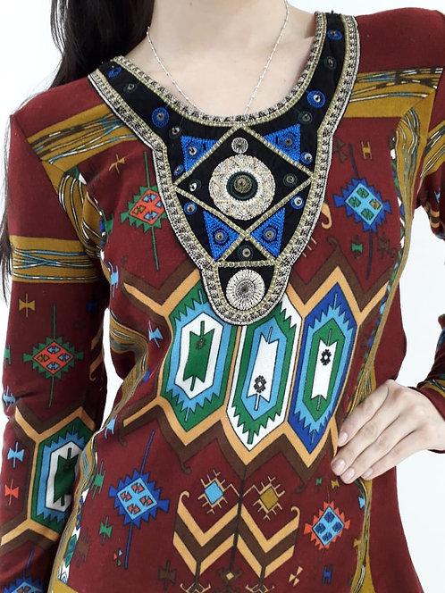 I-3883 Vestidos de lanilla estampado con bordados en pecho