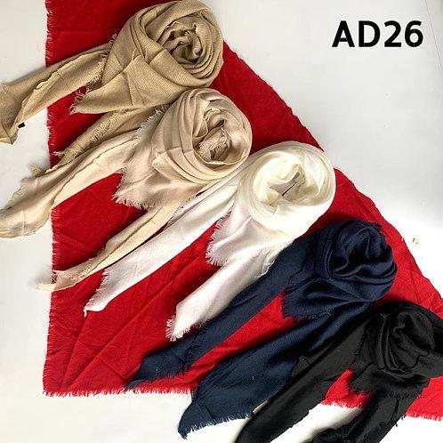 AD 26 Triángulos de lana en tonos lisos