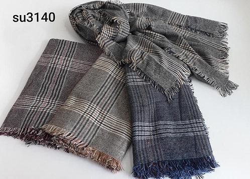 3140 Mantón de lana, cuadrille. Bien grandes.