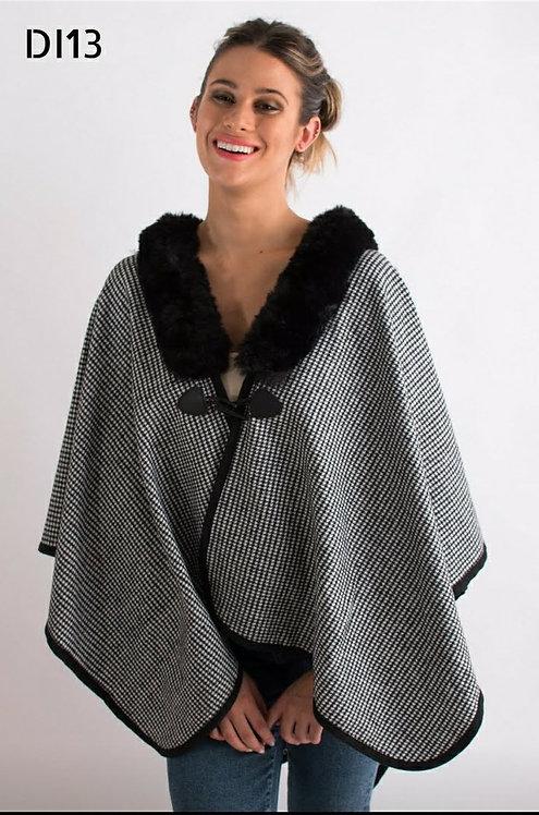 DI13 Ruana de lana con piel. Calidad premium