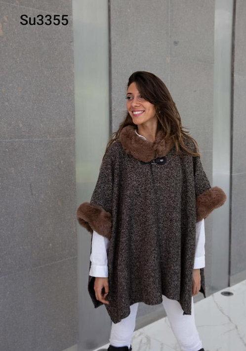 3355 Poncho de lana con piel, lana de alta densidad. Calidad premium