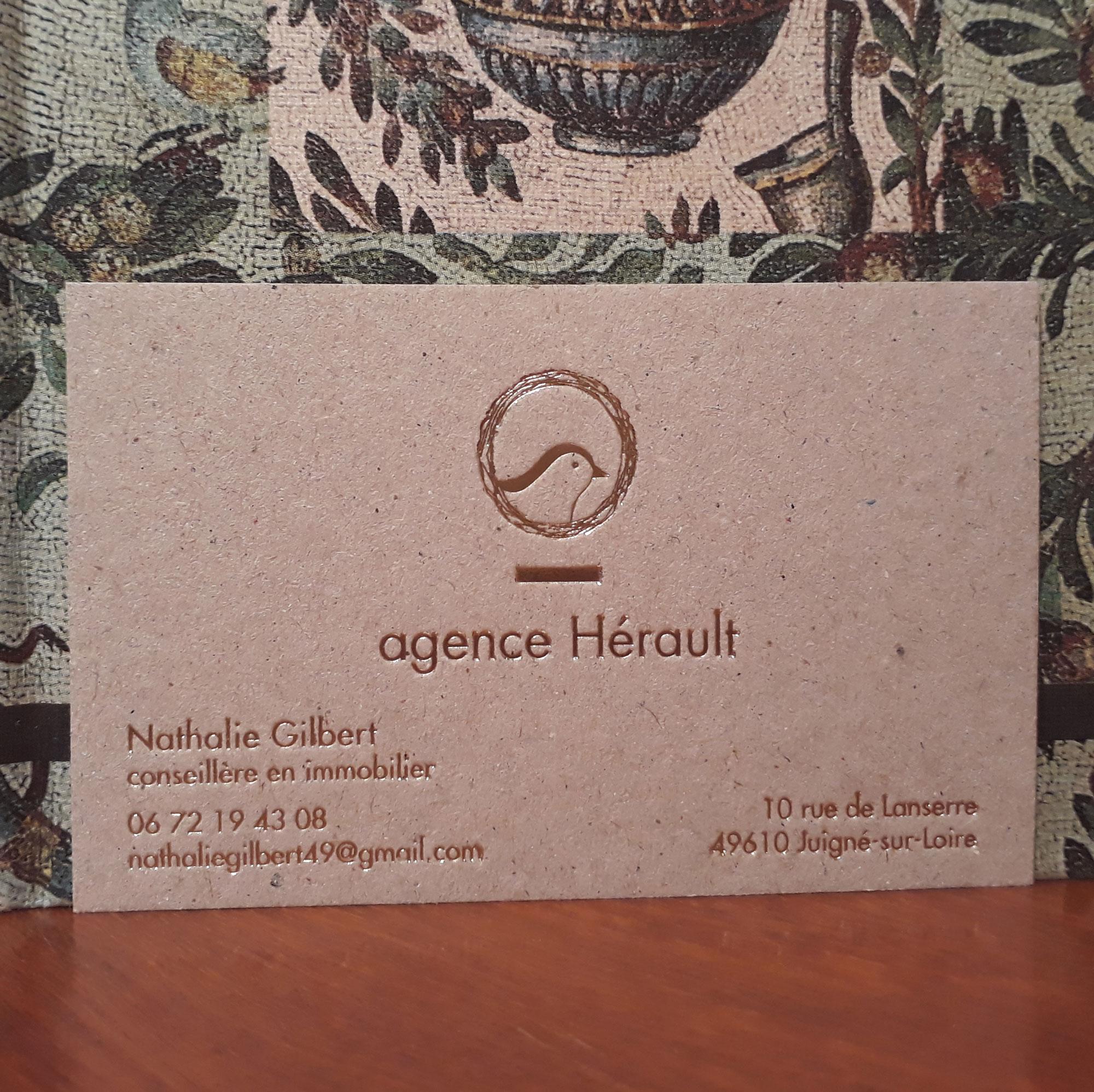 hortense-rossignol-graphiste-angers-carte-de-visite-marquage-a-chaud-or-carton-gris