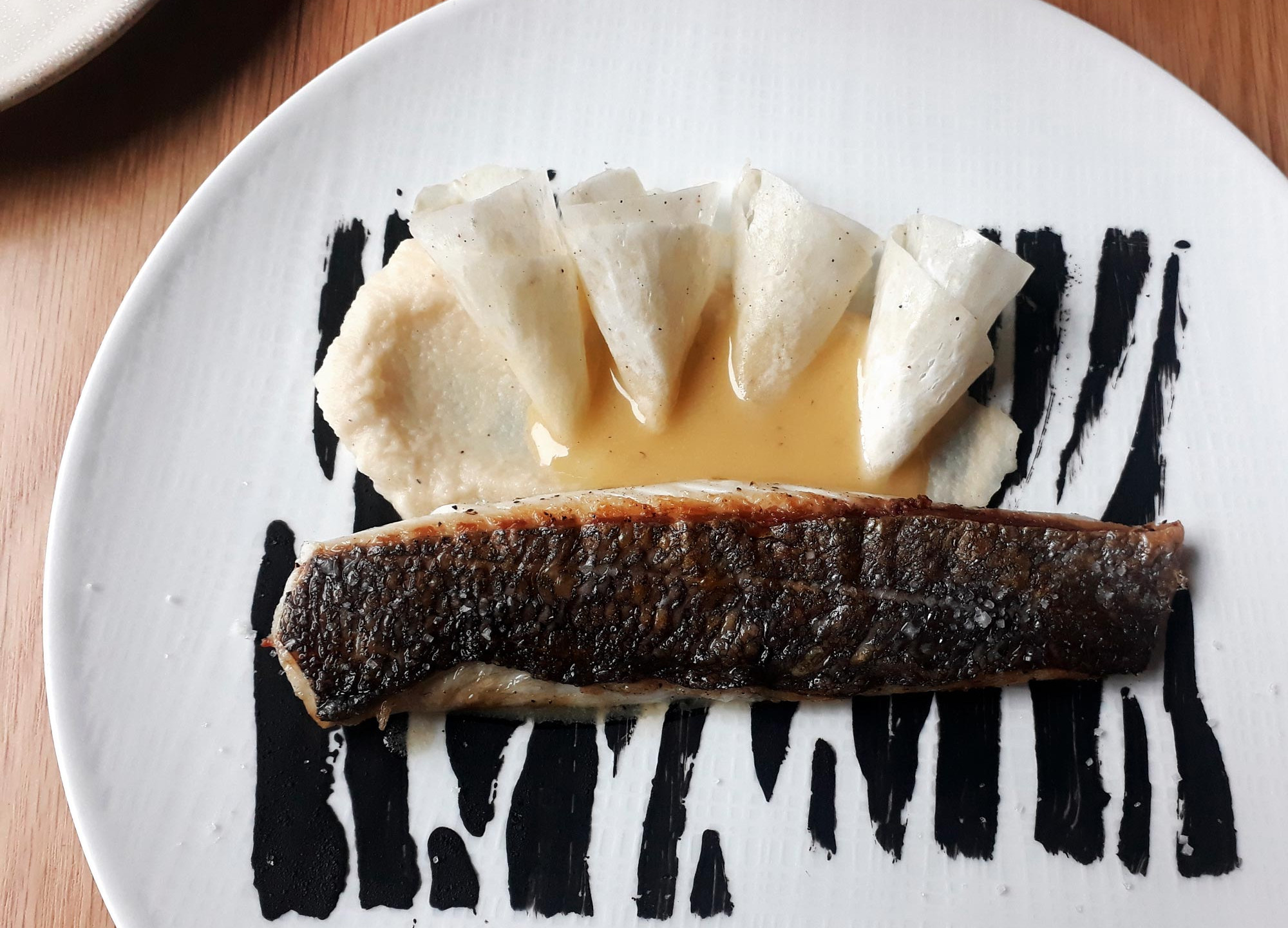 fontevraud-restaurant-plat-poisson