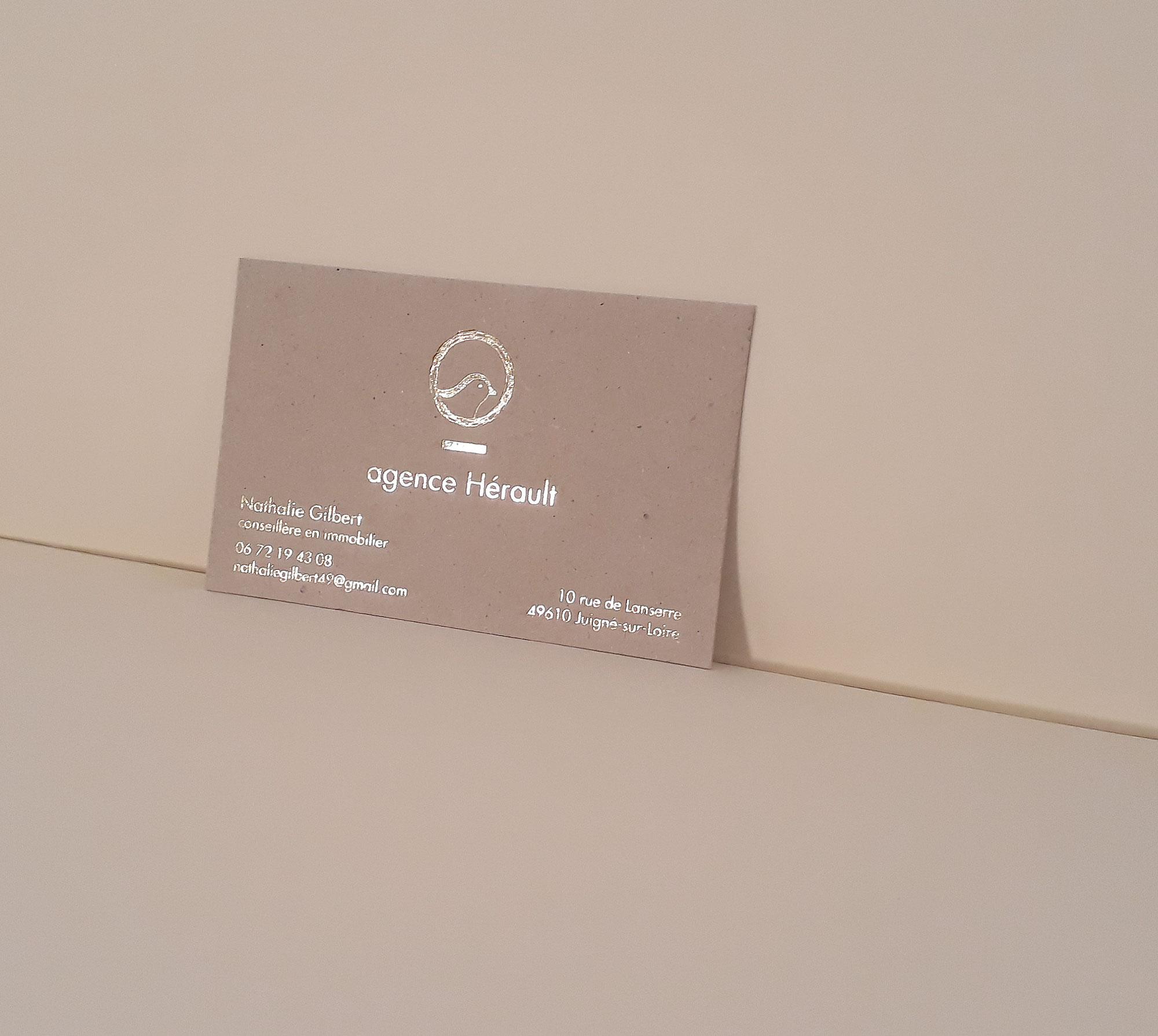 hortense-rossignol-graphiste-angers-carte-de-visite-marquage-a-chaud-or-carton-gris-7