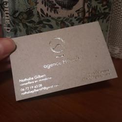 hortense-rossignol-graphiste-angers-carte-de-visite-marquage-a-chaud-or-carton-gris-2