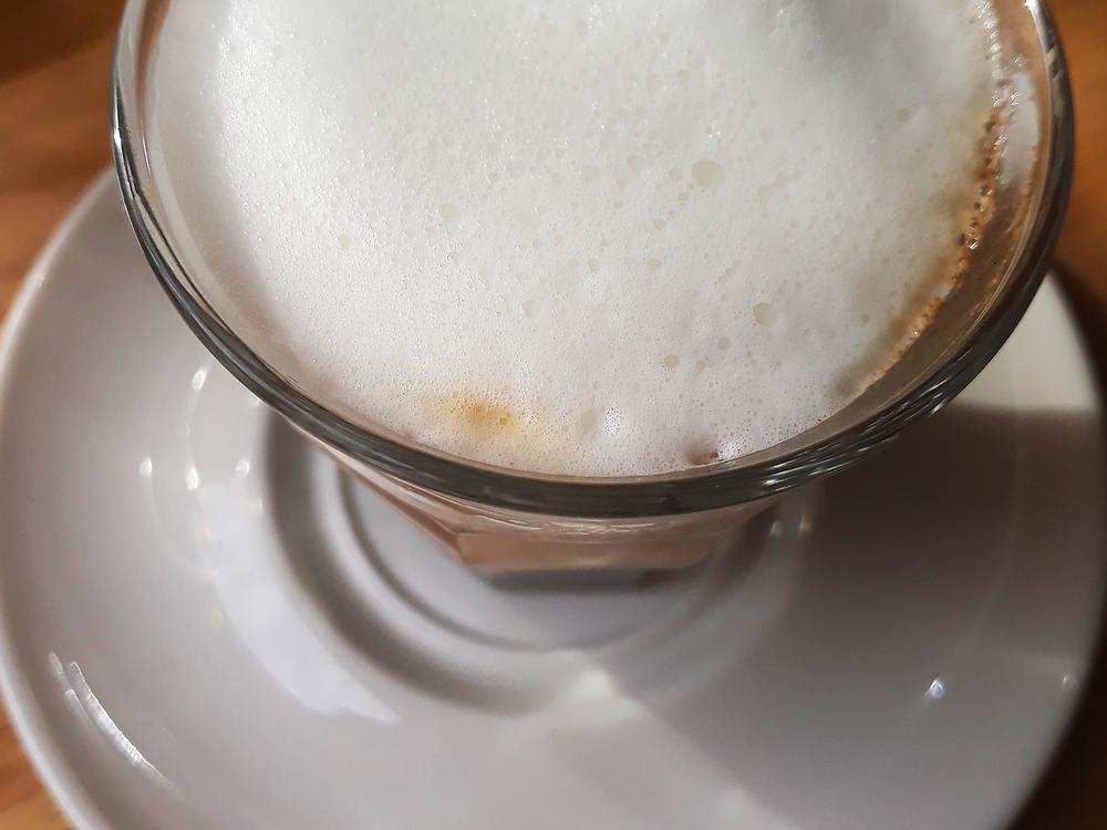 macchiato au café cardinal | Angers - crédits hortense rossignol graphisme
