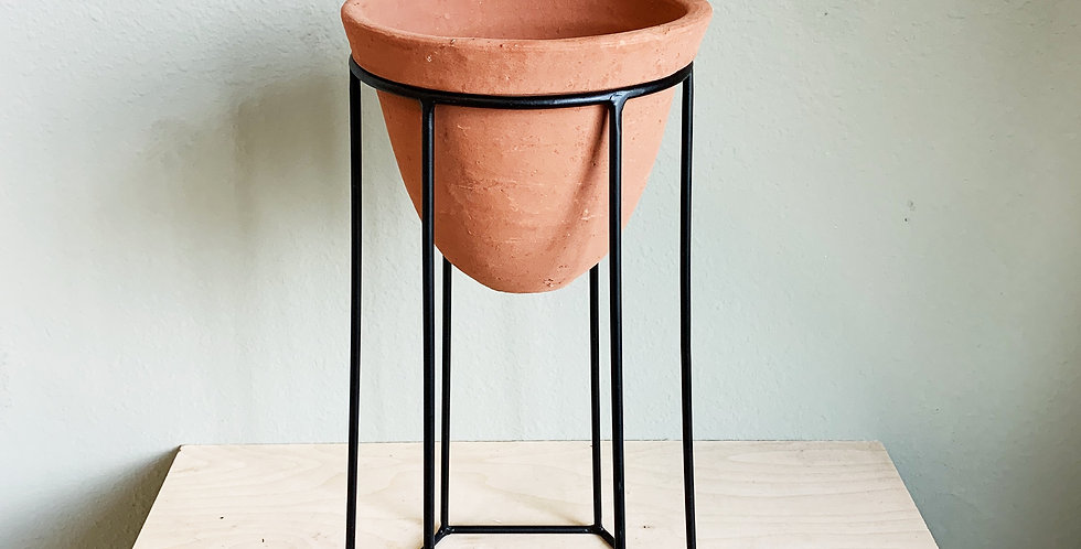 Medium Footed Clay Pot