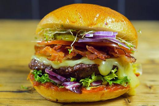 Bacon-Cheeseburger_edited.jpg
